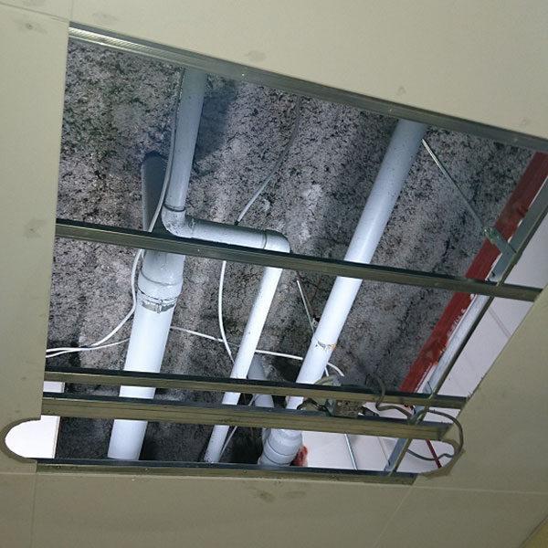 6 エントランス天井材取外し