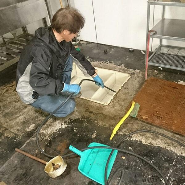 7 排水管清掃 高圧洗浄機使用