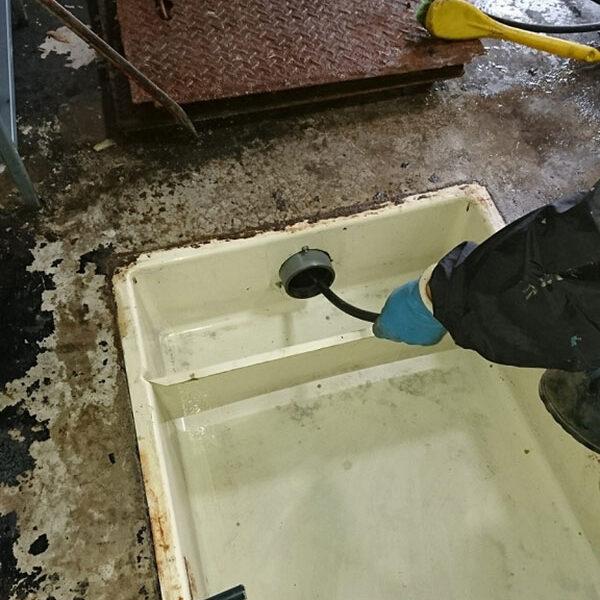 8 排水管清掃 高圧洗浄機使用