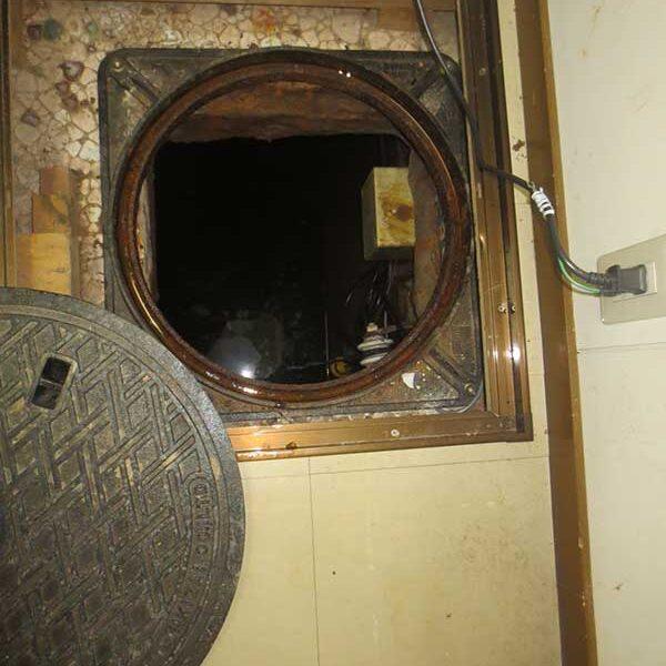 1 地下ピット入口マンホール