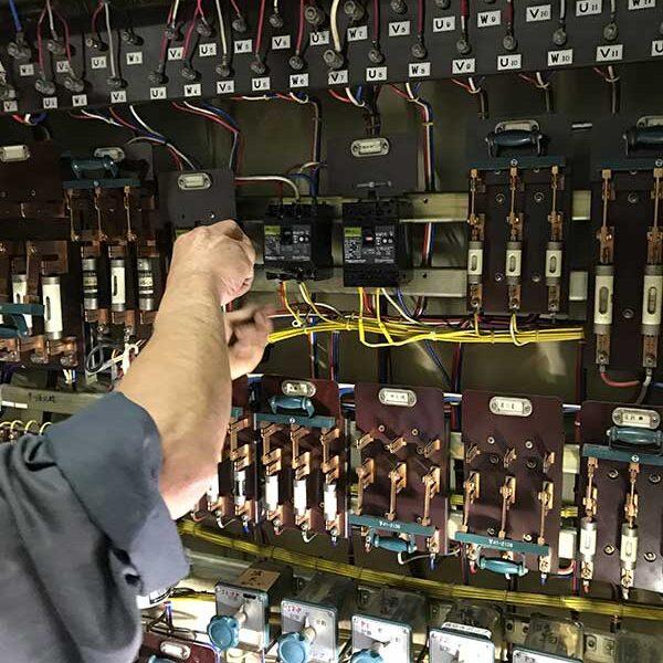 8 電気工事