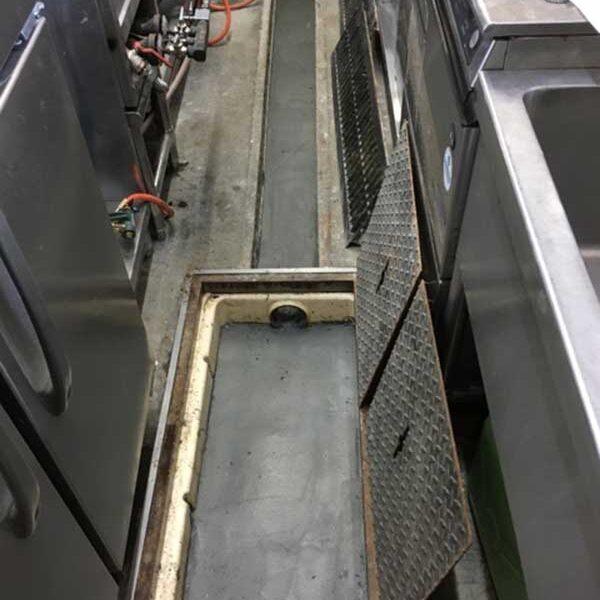 3 排水溝 勾配変更工事 コンクリート打設後