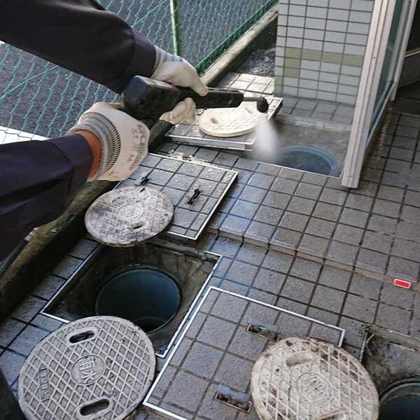 6 高圧洗浄による清掃作業
