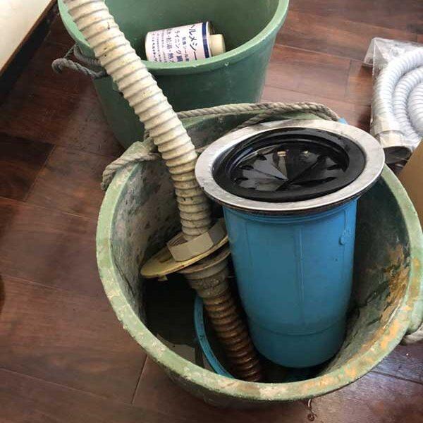 1 キッチン排水トラップ取外し部材