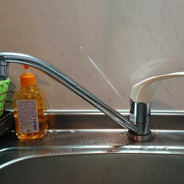 1 台所シングルレバー水栓 取替前