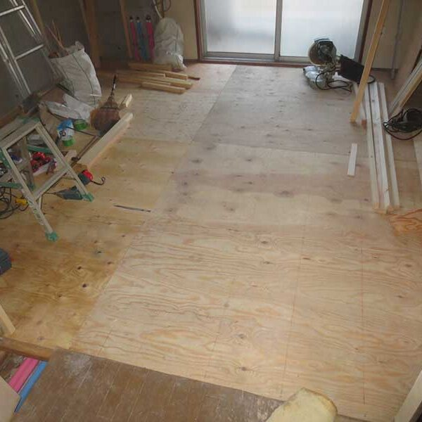 9 仕切り壁・木工事