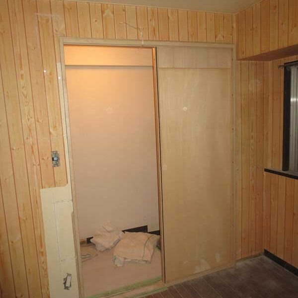 10 室内ドアより引戸に交換木工事