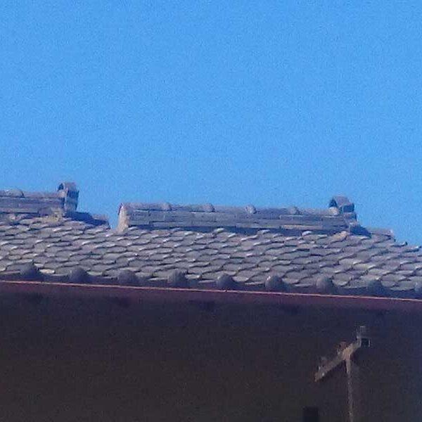 1 台風により瓦屋根破損状況