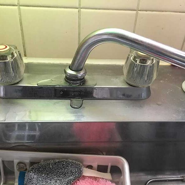 1 流し台用2ハンドル混合栓既存状態