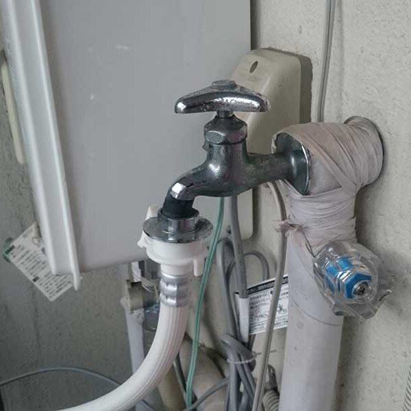 8  洗濯機用水栓