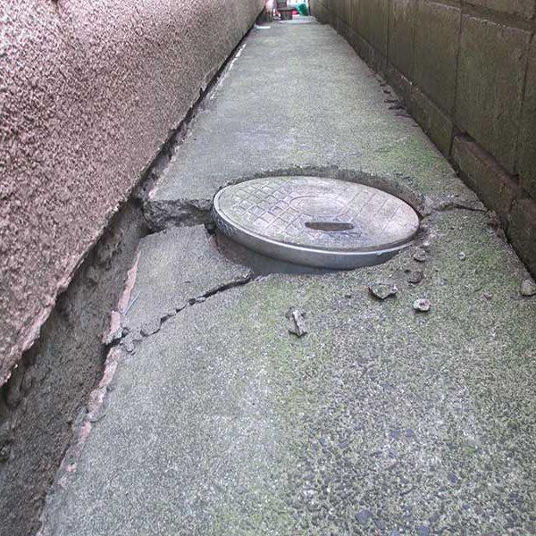 1、犬走りコンクリート脱落