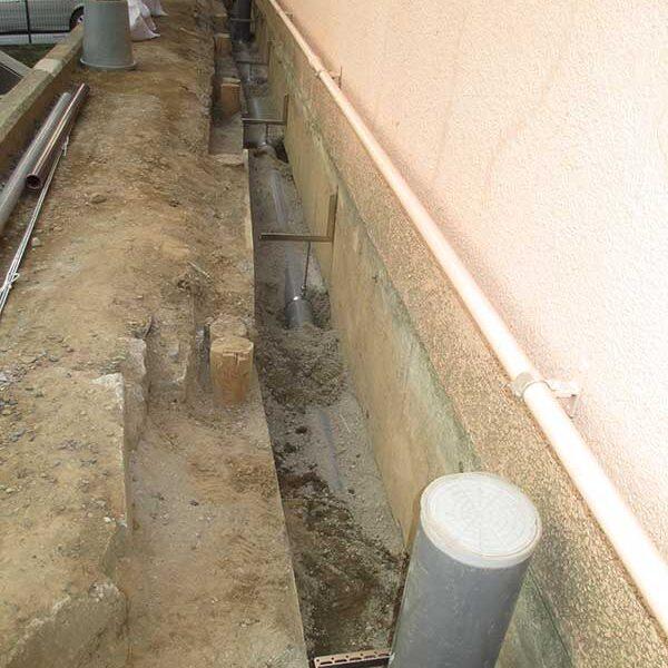 8、下水配管敷設工(配管支持)