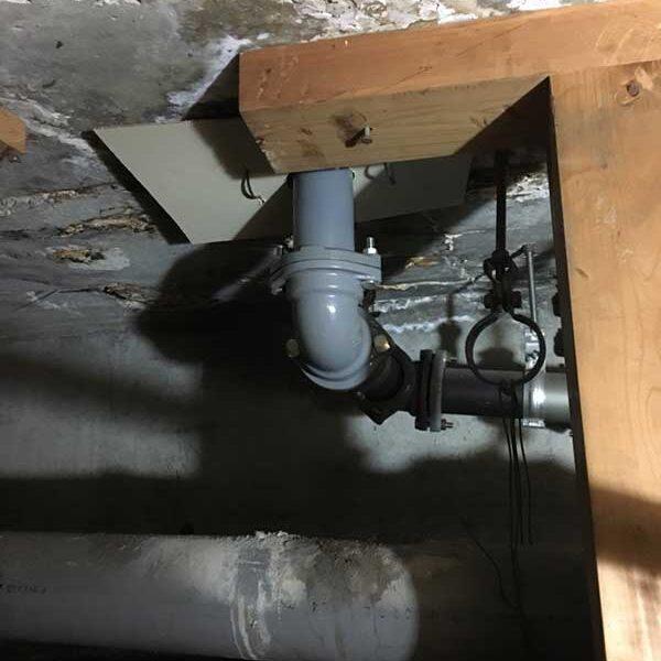 4 104階下より天井裏施工後