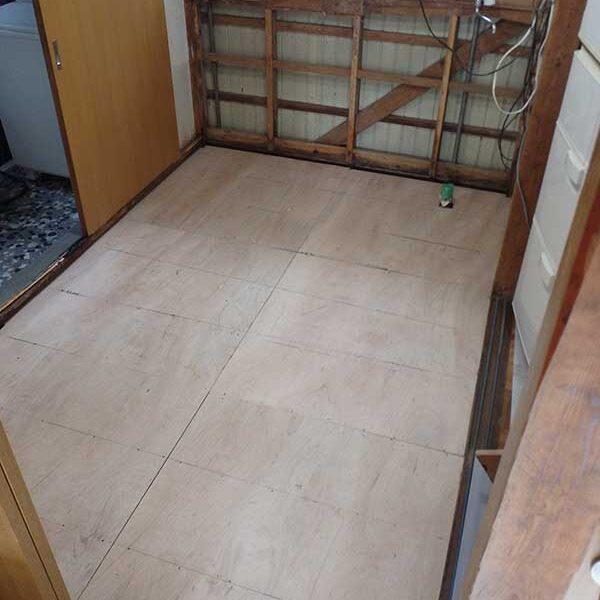 11 構造用合板による床下地工事完了後
