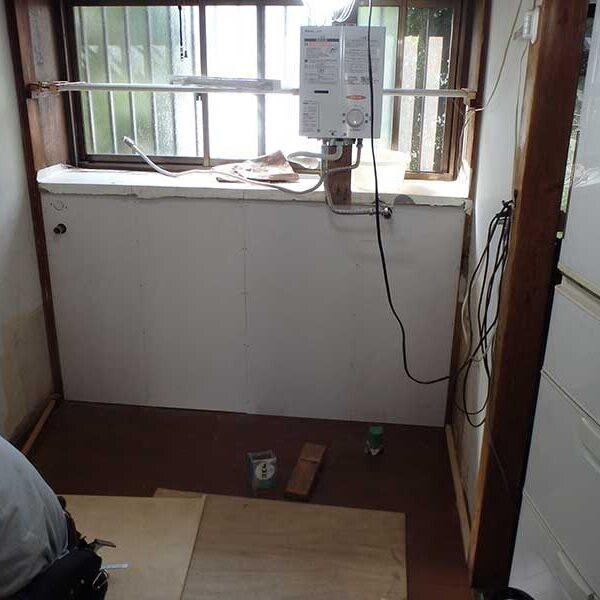 13 キッチン取付側の壁工事