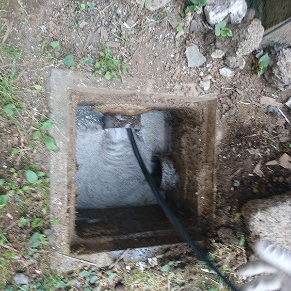 15 排水管清掃 浴室の排水管側