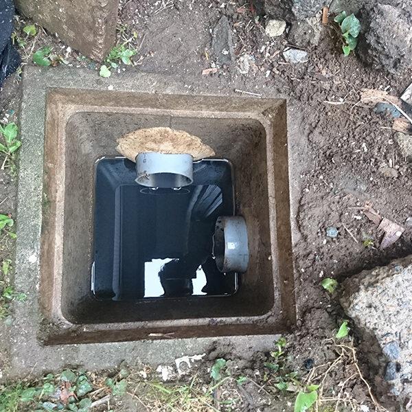 16 排水管清掃 浴室の排水管側 溜桝清掃後